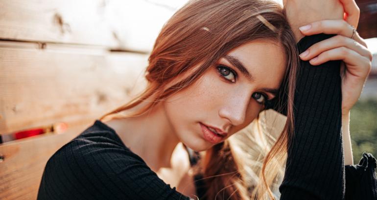 Hμιμόνιμο μακιγιάζ: Αυτοί είναι οι παράγοντες που επηρεάζουν τη διάρκειά του
